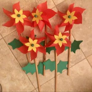 5 Poinsettias Yard Decoration